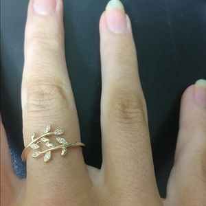 Jewelry - Leaf Branch Ring